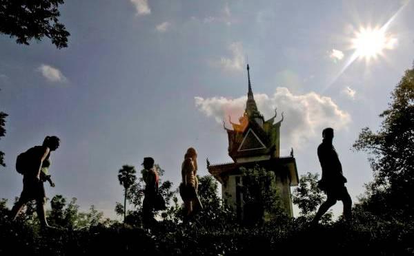 Mengintip Sejarah Kelam Kamboja (2)