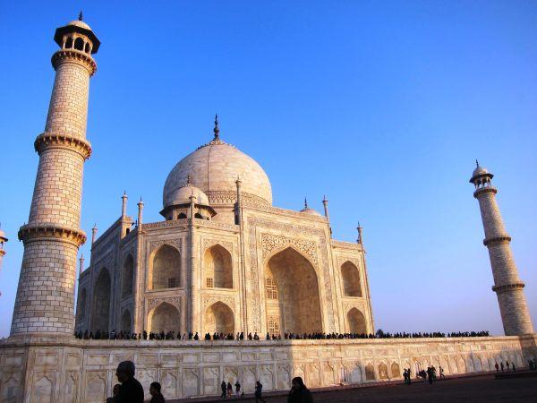 Kiat Praktis Mengunjungi Taj Mahal