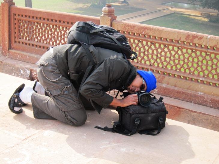 Tas kamera yang kadang difungsikan sebagai tripod a28b5057b2