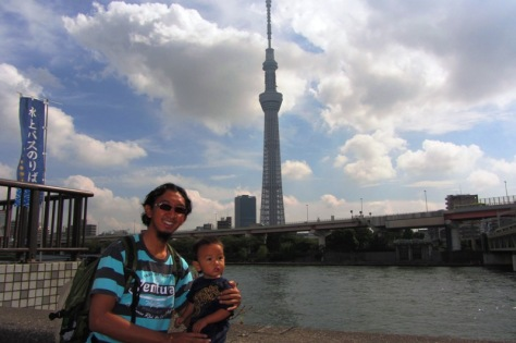 Papa Krewel, Boliq, dan Tokyo Skytree