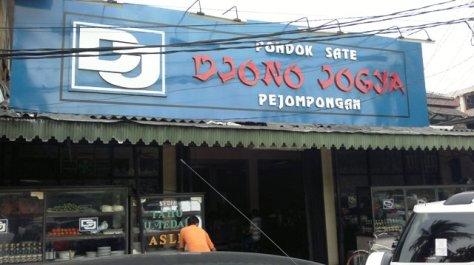 Tampak muka Pondok Sate Djono Jogya Pejompongan