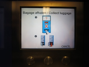 Cara pengambilan koper dari loker di Amsterdam Centraal Station, Belanda