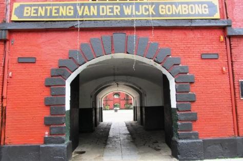 Tulisan Benteng Van Der Wijk Gombong, tepat di pintu masuk benteng