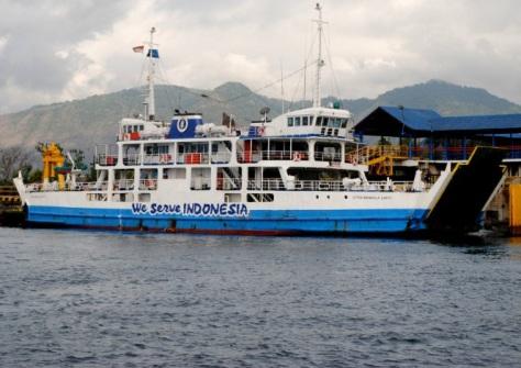 kapal Feri penyeberangan Ketapang-Gilimanuk