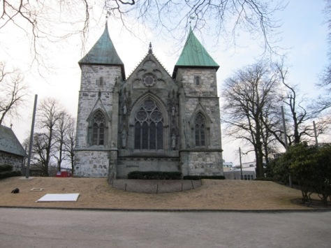 Katedral Stavanger, ikon utama kota Stavanger yang selesai dibangun tahun 1125