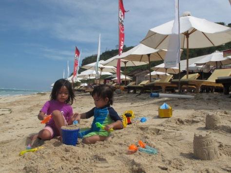 Bali sangat cocok untuk wisata keluarga bersama anak-anak