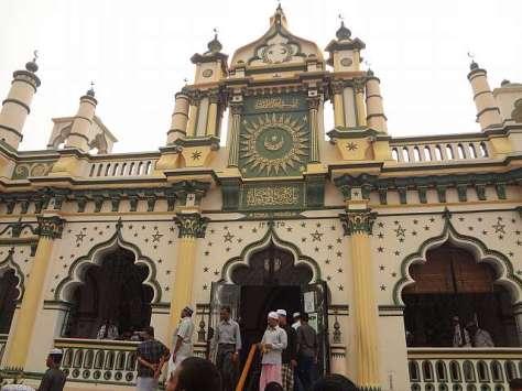 Masjid Abdul Gafoor, masjid tua yang cantik di kawasan Little India