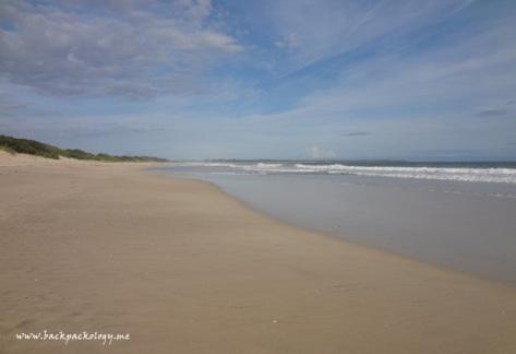 Pantai Cipanarikan di Ujung Genteng
