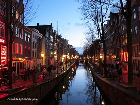 Kanal di De Wallen yang romantis
