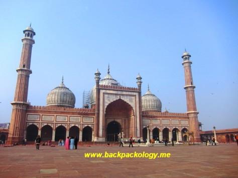 Masjid Jami di kawasan Old Delhi, India, masjid terbesar dan termegah yang dibangun Raja Shahjahan