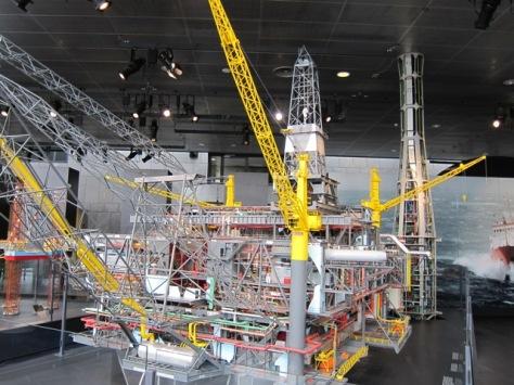 """Maket asli anjungan lepas pantai atau offshore platform """"Statfjord B"""" milik Statoil yang sangat detil"""
