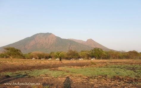Jejeran Terios dengan latar Gunung Baluran