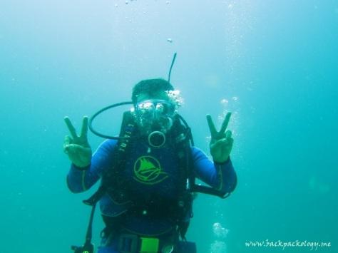 Mas Bambang Priadi alias Bems, alias Ki Joko Blogger, beraksi dalam air...