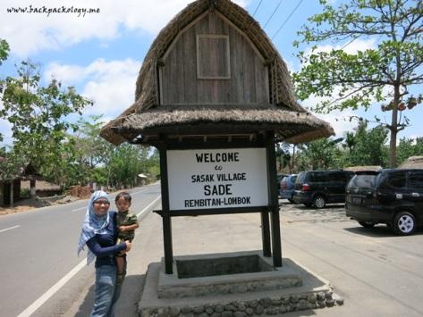Saya dan Oliq bertualang sendiri ke Lombok karena ditinggal Puput ber-Terios 7 Wonders