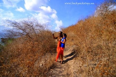 Sepanjang jalan kenangan terulang lagi di bukit Pink Beach Lombok Timur