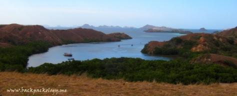 Pemandangan Loh Liang yang mempesona dari atas bukit