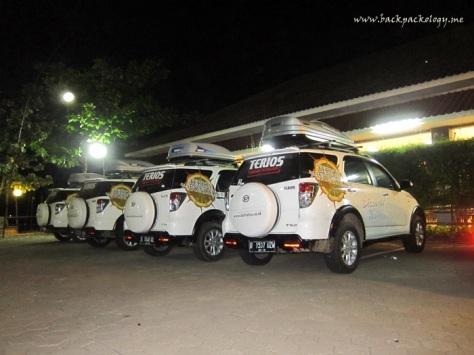 Terios sampai di Pringsewu Sumpiuh Kebumen Jawa Tengah, masih 3 jam lebih menuju Yogya, sementara jam sudah menunjukkan 9 malam