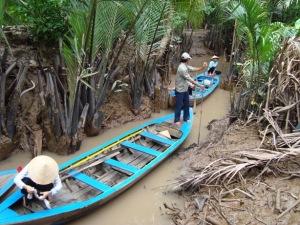 Menelusuri Delta Mekong