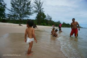 Pantai Nyiur Melambai tak jauh dari pusat kota Manggar