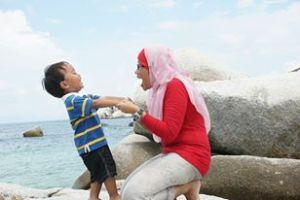 Bermain di Tanjung Kelayang
