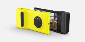 Nokia Lumia 1020 dengan kamera 41 megapiksel, handphone kamera paling canggih saat ini, plus fitur batere grip untuk menambah kapasitas batere