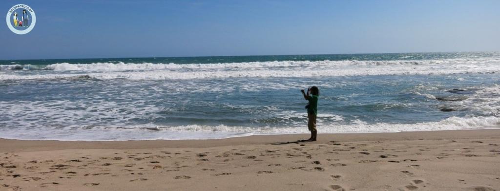 Pantainya luas, sepi, bagai milik pribadi