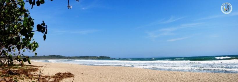 Panta Goa Langir di Sawarna, biru!