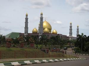 Masjid kubah emas di Depok... mungkin inilah masjid paling mewah di Indonesia