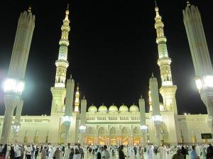 Masjid Nabawi di Madinah, kota suci umat Islam yang tenang dan damai