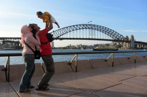 Backpacking pertama Oliq ke Australia, saat itu masih 6 bulan dan pastinya masih nyusu ke simbok