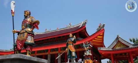 Patung-patung yang menggambarkan pasukan Cheng Ho