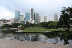 Taman KLCC bisa jadi pilihan lokasi wisata gratis di tengah kota
