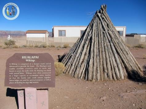 Wikiup, rumah asli Suku Hualapai yang kerap digambarkan di kartun-kartun