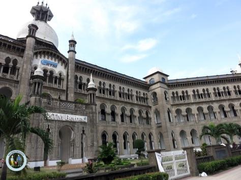 Ibu Pejabat alias Kantor Pusat KTM Berhad, persis di seberang Stesen Kuala Lumpur