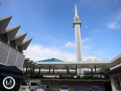 Menara Masjid Negara, masjid milik pemerintah yang berarsitektur modern