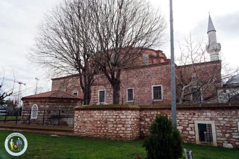 Masjid Little Hagia Sophia dari luar pagar, memang menyerupai Hagia / Aya Sophia versi mini