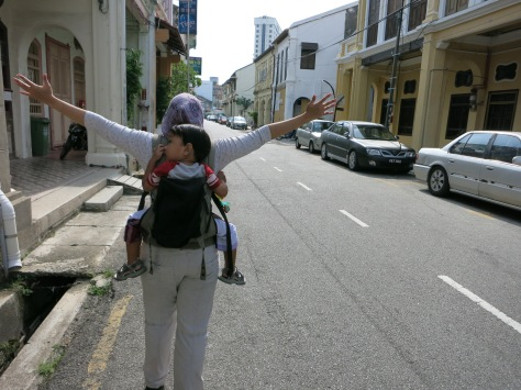 Bersama Oliq, travelmate mungil