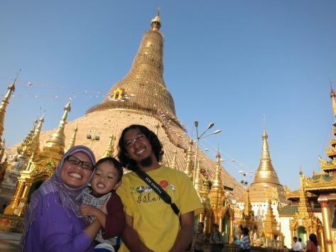 Berfoto do Shwedagon, lelah pun terbayar