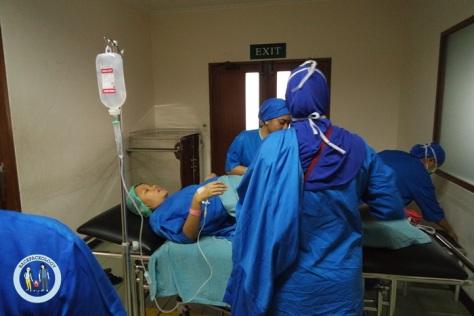 Siap-siap masuk kamar operasi...