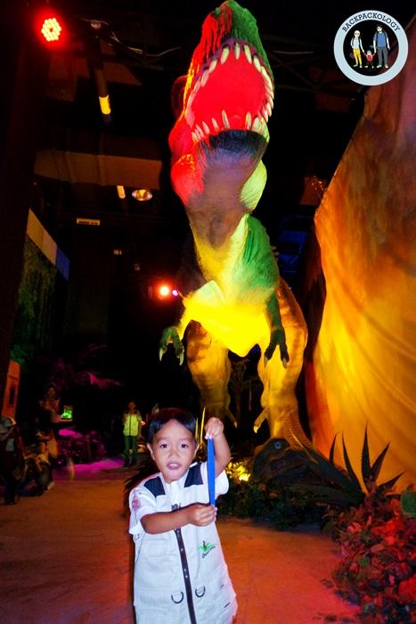 Tyrannosaurus alias T-rex, hewan purbakala paling ganas, siap menerkam Anda di Discoveria, Avenue K, Kuala Lumpur