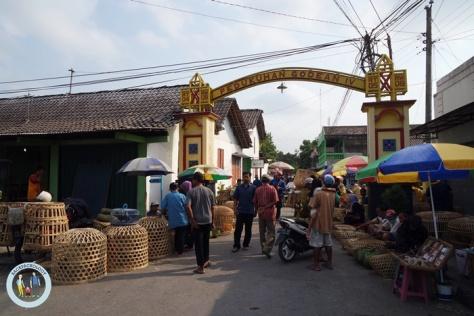 Pasar hewan Godean, ada di ujung Pasar Godean tiap hari pasaran Pon