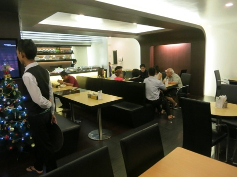 Daerah resepsionis dan kafenya