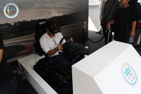 Simulator asli yang benar-benar menggambarkan tantangan mengendarai mobil Mercedes AMG Petronas Formula One