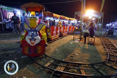 Kereta mini ini juga lumayan digemari anak-anak, cukup 5000 saja bisa dapat beberapa putaran