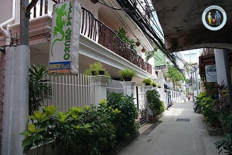 Hotel Isla Gecko di Station 2 Boracay, tak jauh dari White Sand Beach dan Cafe de Mall.