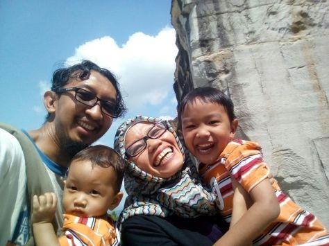 Foto keluarga dulu -- yang disabotase Ola