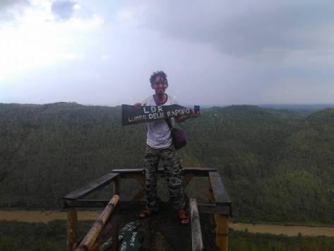Mendung menggelayuti Bukit Panguk